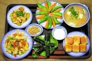 Nên đa dạng các loại thực phẩm để ăn chay đủ chất